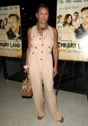 0721vanessa-williams-jumpsuit fa